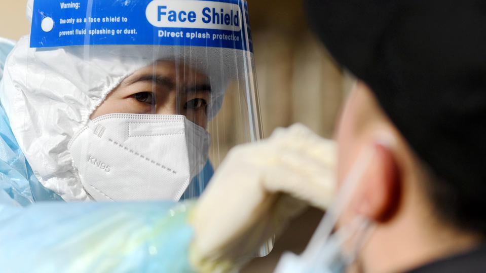 Kina lejon hetimin e OBSH-së për origjinën e COVID-19