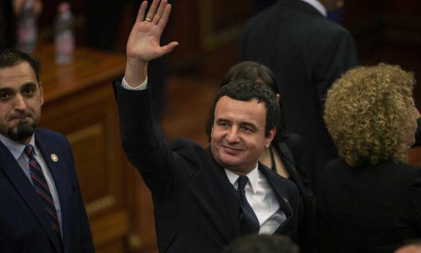 U përjashtua nga kandidimi në zgjedhje, Albin Kurti: Kryetarja e KQZ-së marionetë