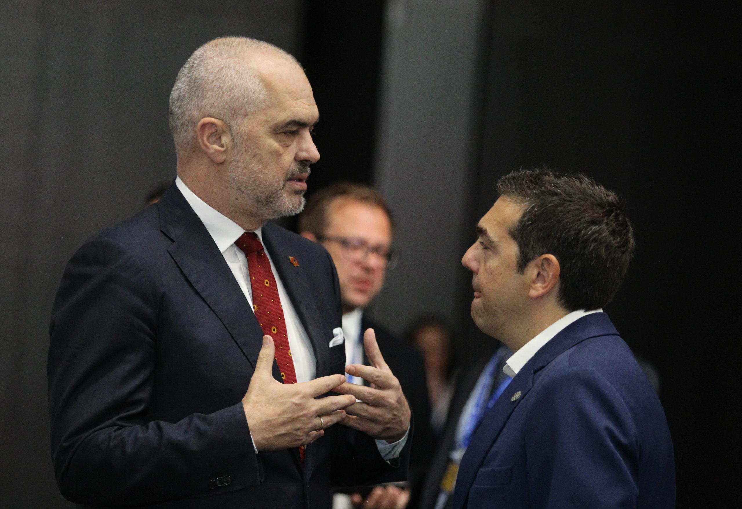 Rama përplas grekët, Tsipras i vërsulet Mitsotakis: Cili është roli i tij në dialogun me Turqinë?