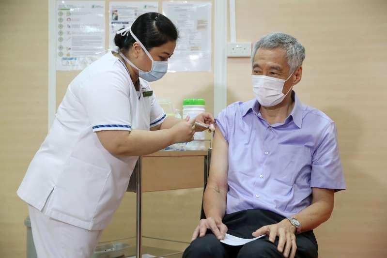 Vaksinohet kryeministri i Singaporit,bën thirrje qytetarëve që ti përgjigjen nismës