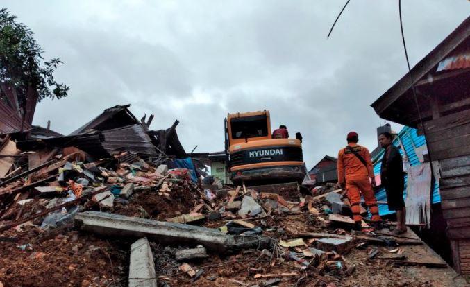 Rritet bilanci, shkon në 67 numri i viktimave nga tërmeti në Indonezi