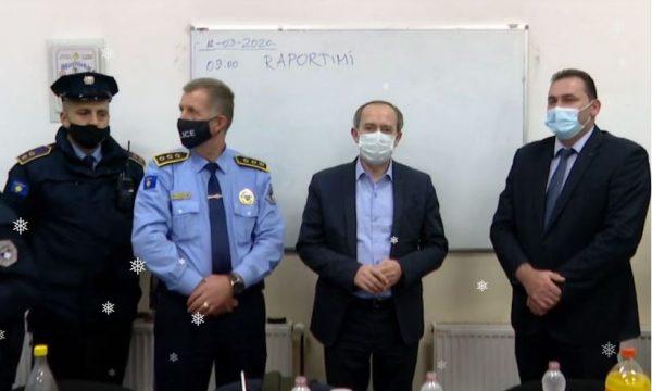 Kryeministri i Kosovës Avdullah Hoti pret Vitin e Ri në stacionin e Policisë në Rahovec
