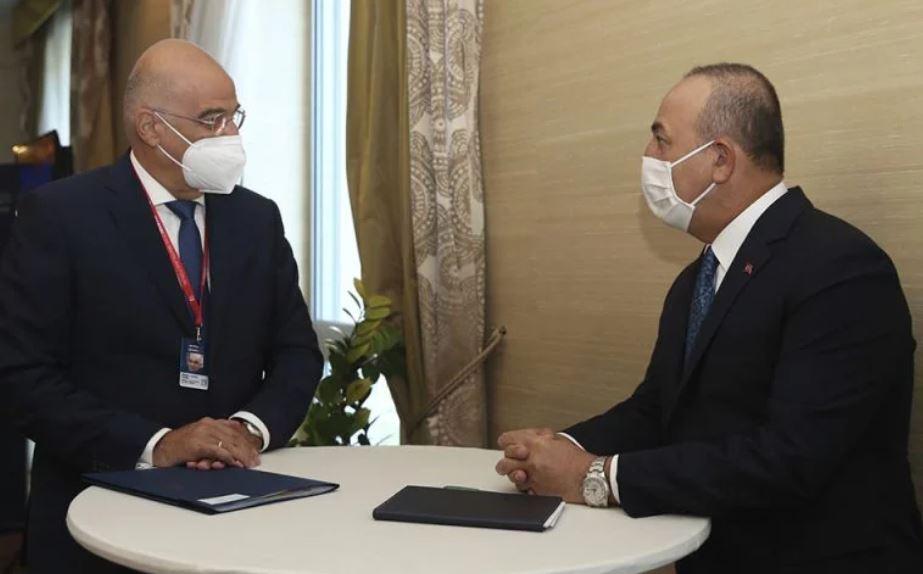 Athina rrëzon ministrin turk: Dendias ende nuk ka dakordësi për takimin me Csavousoglou