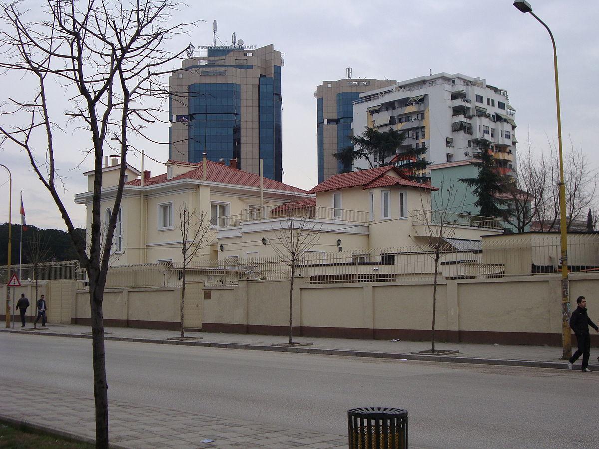 """Dilte natën dhe lëvizte pa maskë, pse u shpall """"non grata"""" diplomati rus në Tiranë"""
