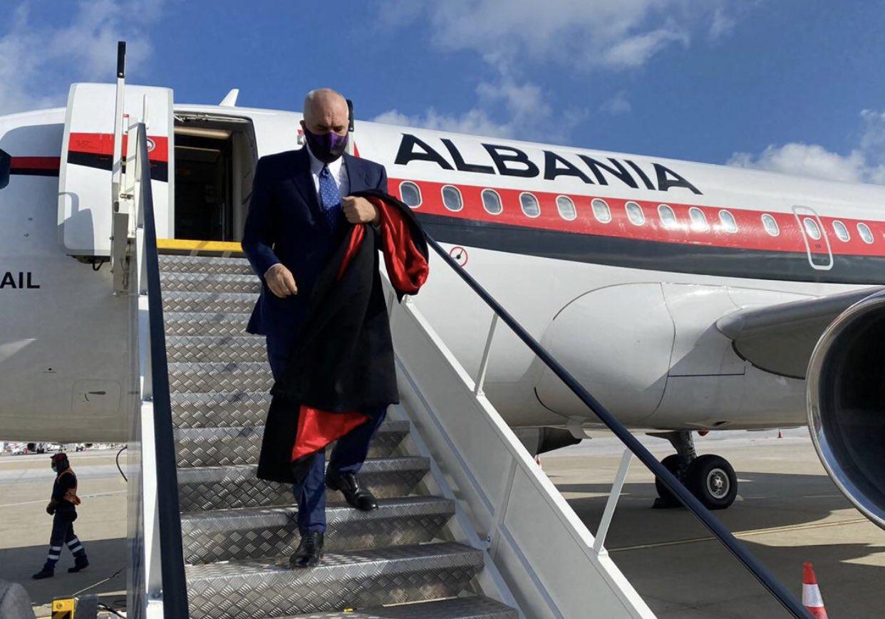 """Rama """"zbret"""" në Athinë: Drekë pune me Mitsotakis për bashkëpunim rajonal dhe luftën anti-COVID"""