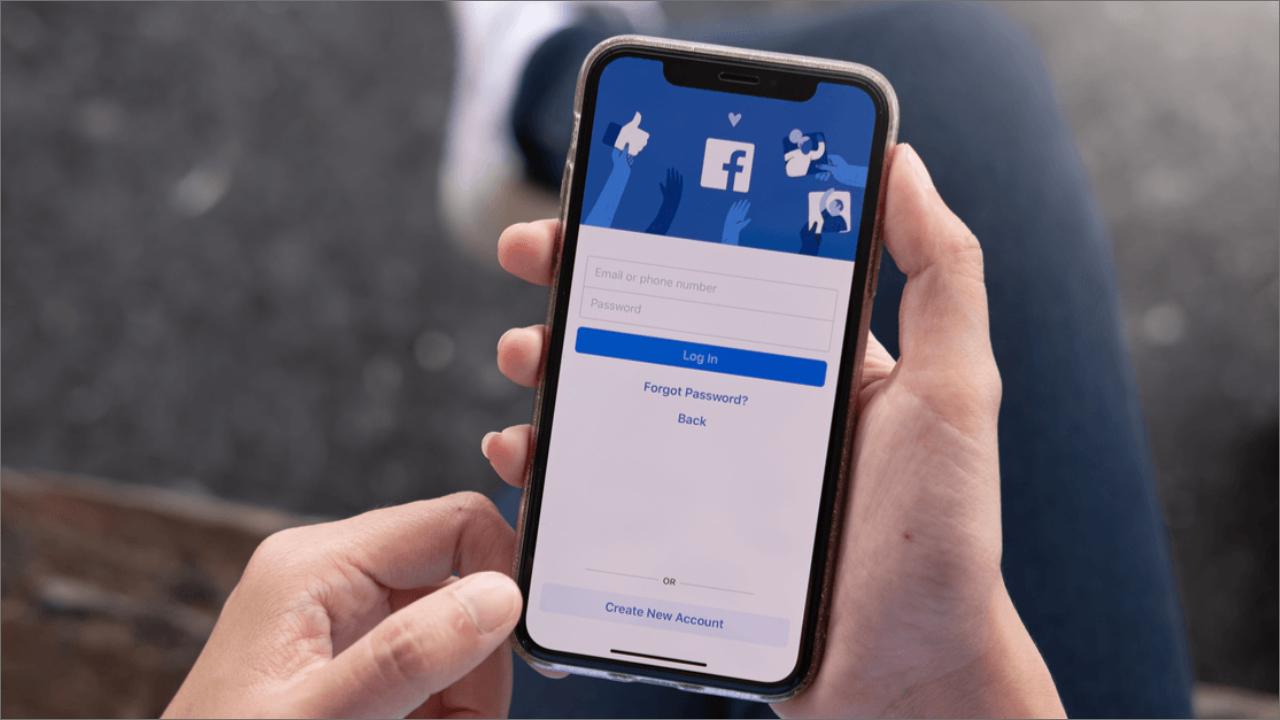 Jeni përdorues të iPhone? Facebooku në mënyrë të pashpjegueshme ju shkyçi dhe ka një shpjegim