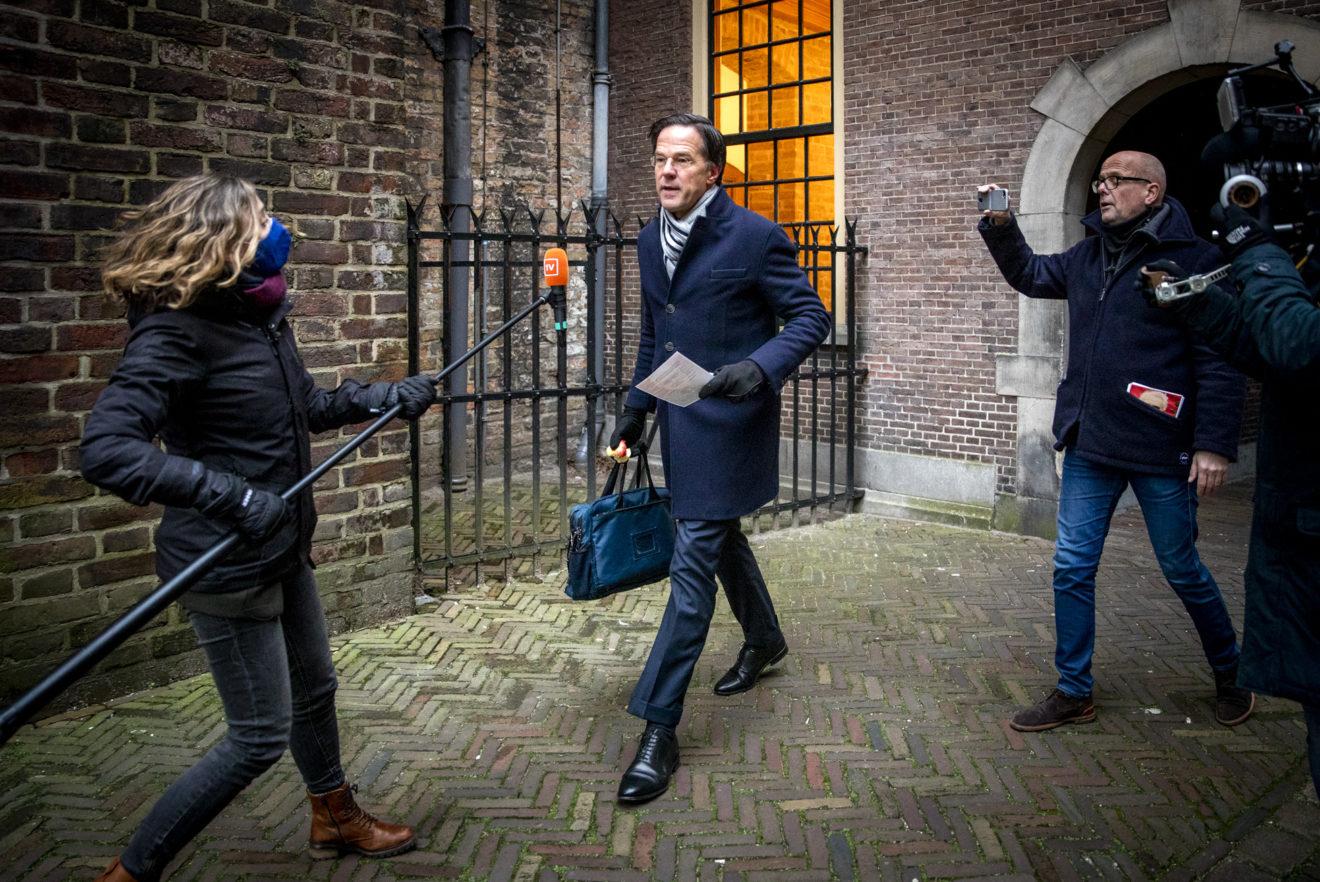 Skandali me përfitimet e fëmijëve, dorëhiqet qeveria holandeze