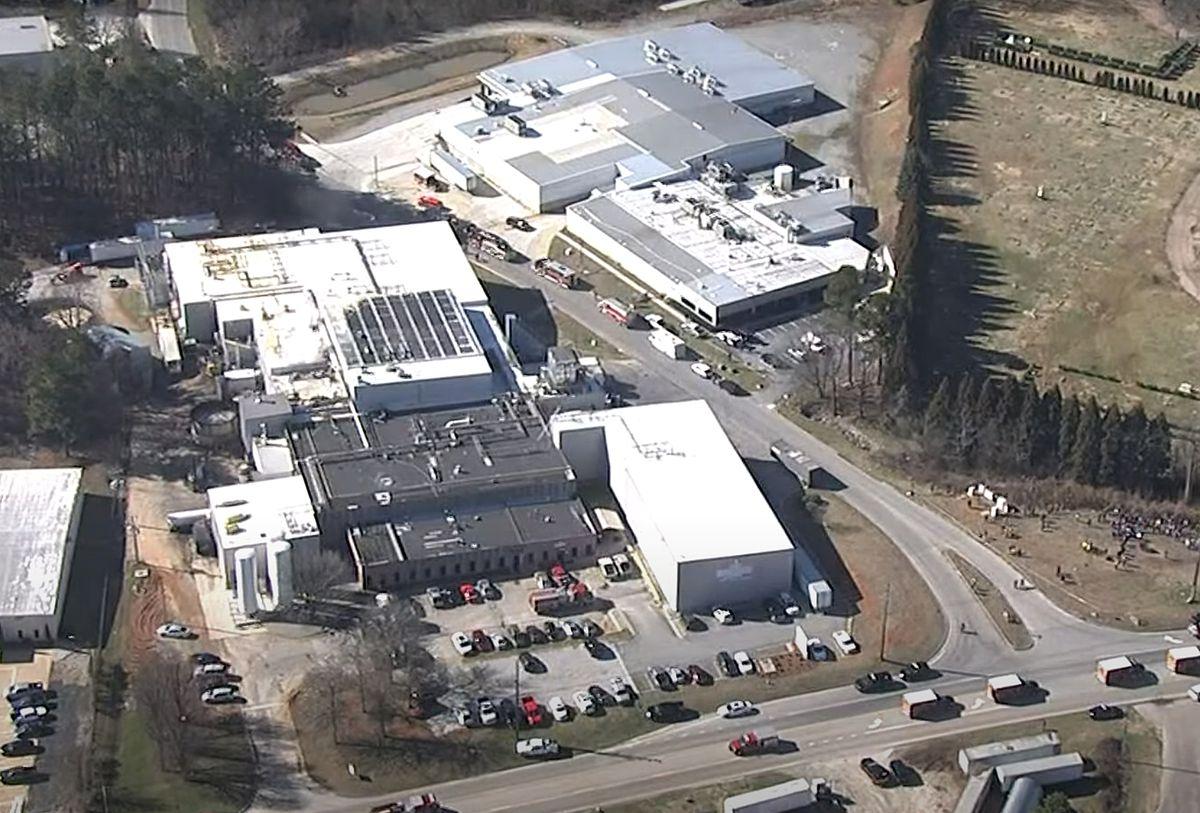 Gjashtë të vdekur pas rrjedhjes së azotit në fabrikën e pulave në SHBA