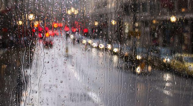 Dita nis me vranësira dhe reshje shiu, parashikimi i motit për ditën e sotme