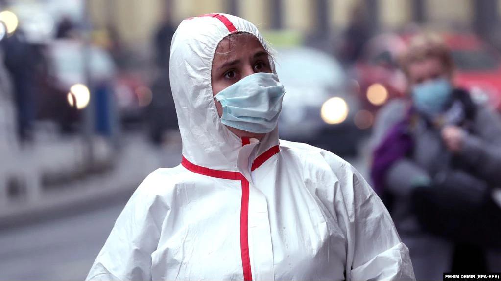 """OBSH: Viti i dytë i pandemisë mund të jetë """"më i ashpër"""""""