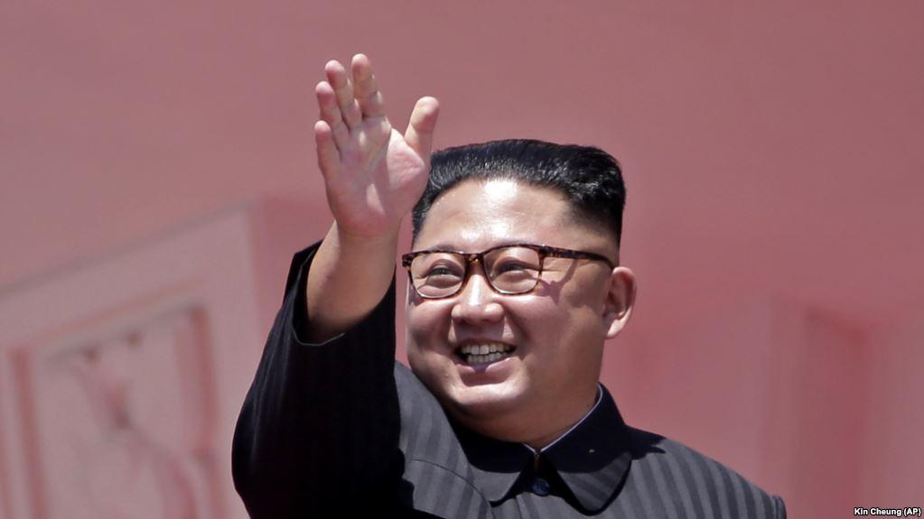 Koreja e Veriut zbulon raketë të re balistike