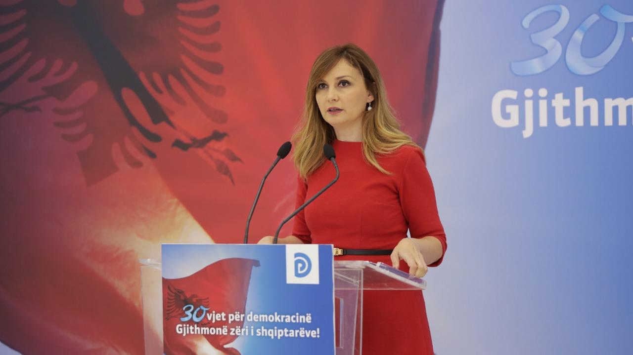 """""""Eurodeputeti në përgjimet e antimafias, mik i Bashës"""", Tabaku i përgjigjet Ballës"""