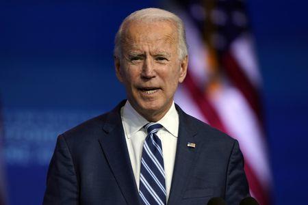 Urdhri i parë ekzekutiv i Biden, maska do të jetë e detyrueshme në të gjithë vendin
