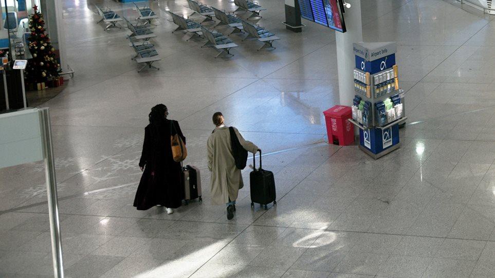 Aviacioni Civil i Greqisë: Të gjithë udhëtarët që futen në vend do karantinohen 7 ditë