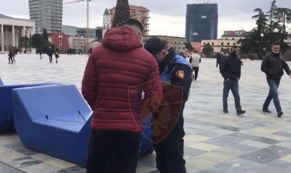 Dalin pa maskë në rrugë, ndëshkohen 361 persona, 6 shoqërohen në komisariat