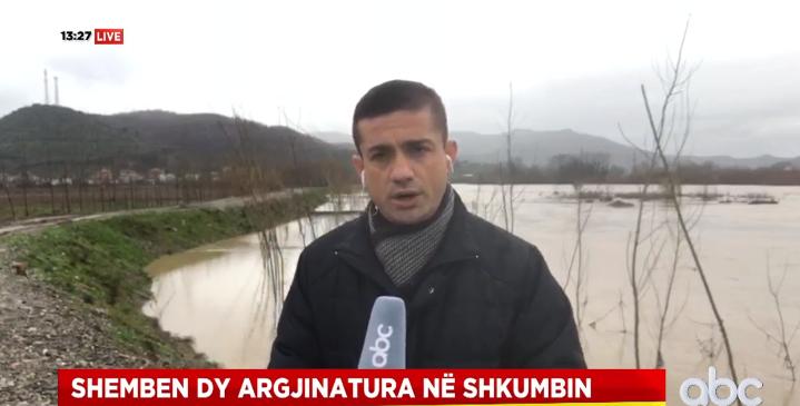 Shemben dy argjinatura në Shkumbin, disa ura dhe aksi Elbasan-Peqin të rrezikuara