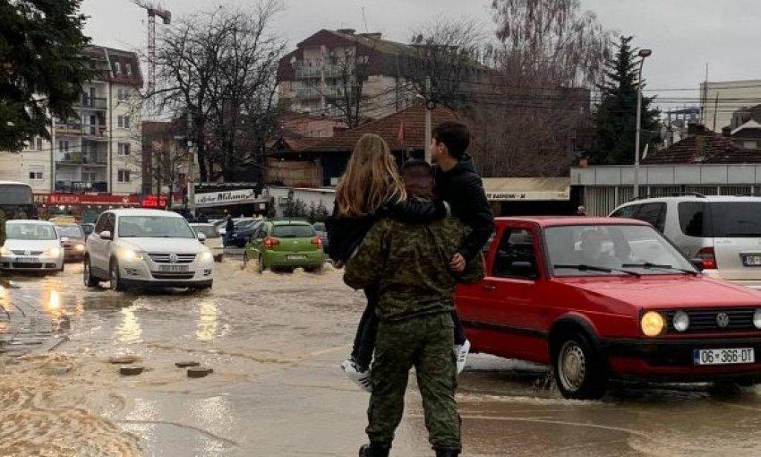 Përmbytjet në Kosovë, FSK shpëtoi 62 qytetarë të ngujuar