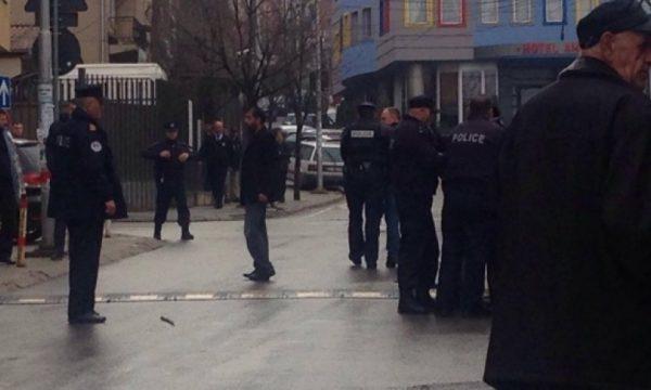 Përleshje mes 5 të miturve, vritet me thikë njëri prej tyre