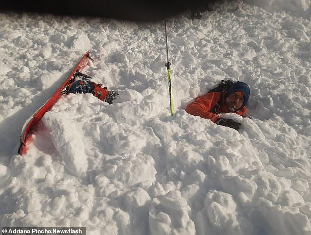 Video virale: Momenti kur orteku i borës zë katër alpinistë