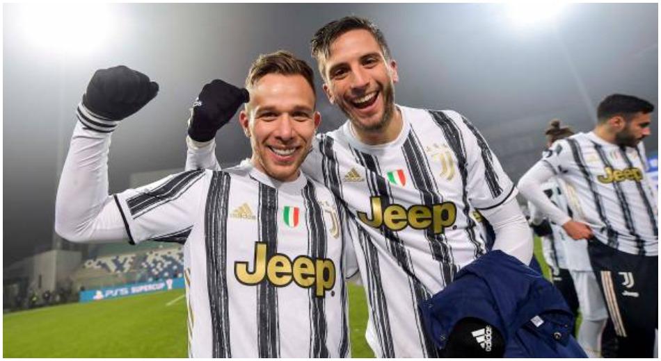 """""""Vetëm Iniesta më i mirë se Arthur, Pirlo i madh në fushë edhe tani"""""""
