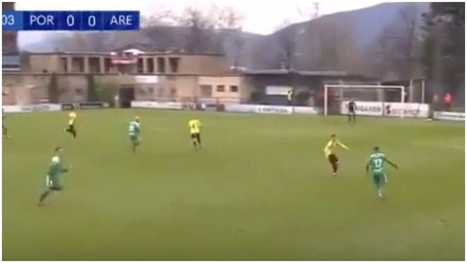 VIDEO/ Çmenduri në Spanjë, goditet 3 herë traversa për 6 sekonda!