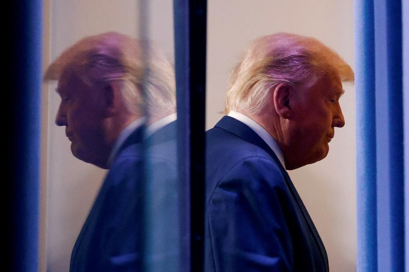 A mund të falë veten presidenti Trump para largimit nga detyra?