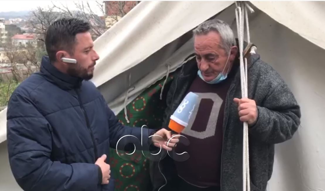 Përmbytje në Durrës, banorët që jetojnë në çadra: S'kemi ku të rrimë, çdo gjë është e lagur