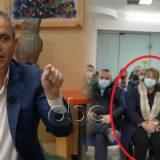 Shkeli masat anti-Covid, Enkel Demi kërkon dorëheqjen e Mira Rakacollit: U kap me presh në duar