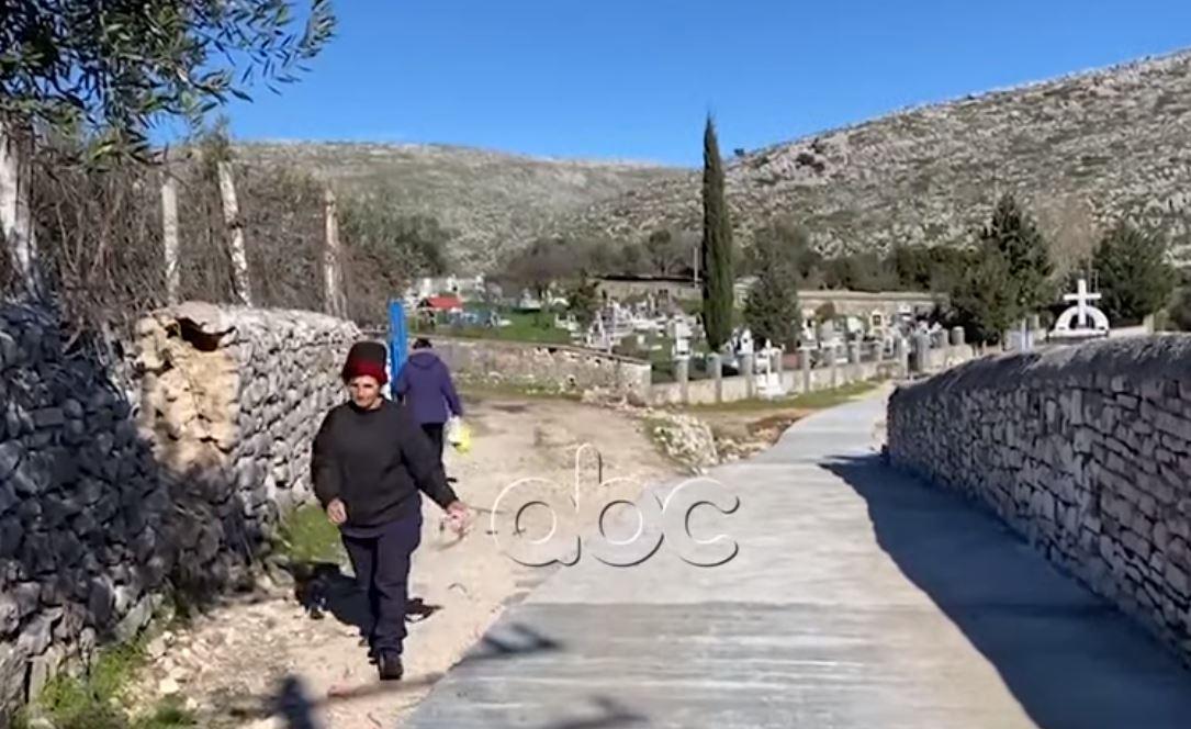 Shën Vasili i Sarandës, fshati pa fëmijë, banorët: Politikanët vijnë vetëm kur duan votat