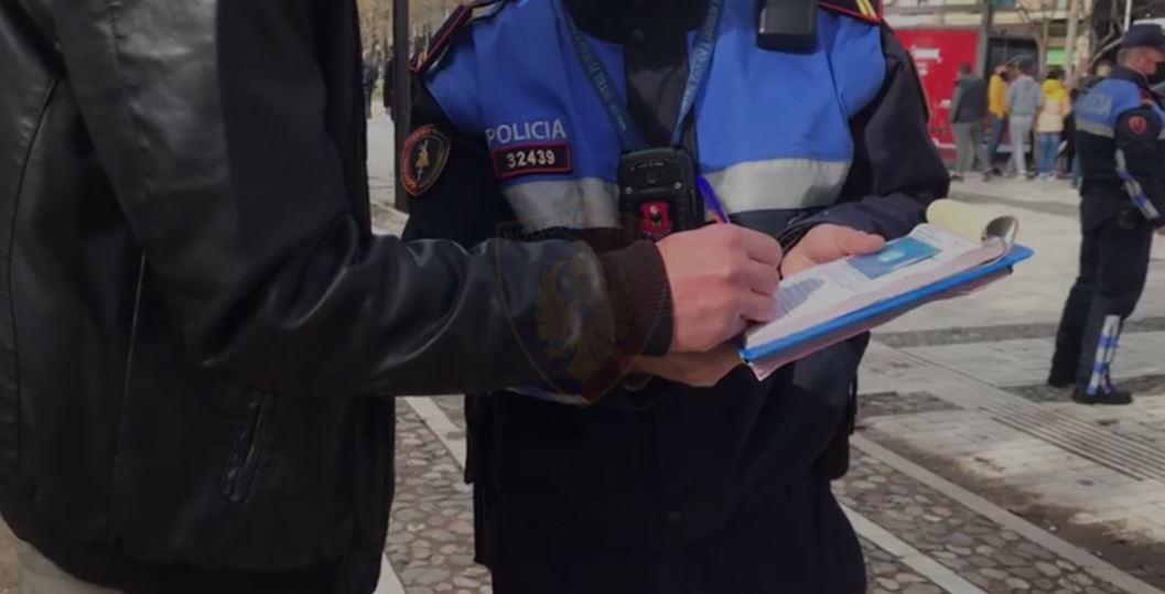 Gjobiten 885 qytetarë gjatë 48 orëve, thyen rregullat anti-covid