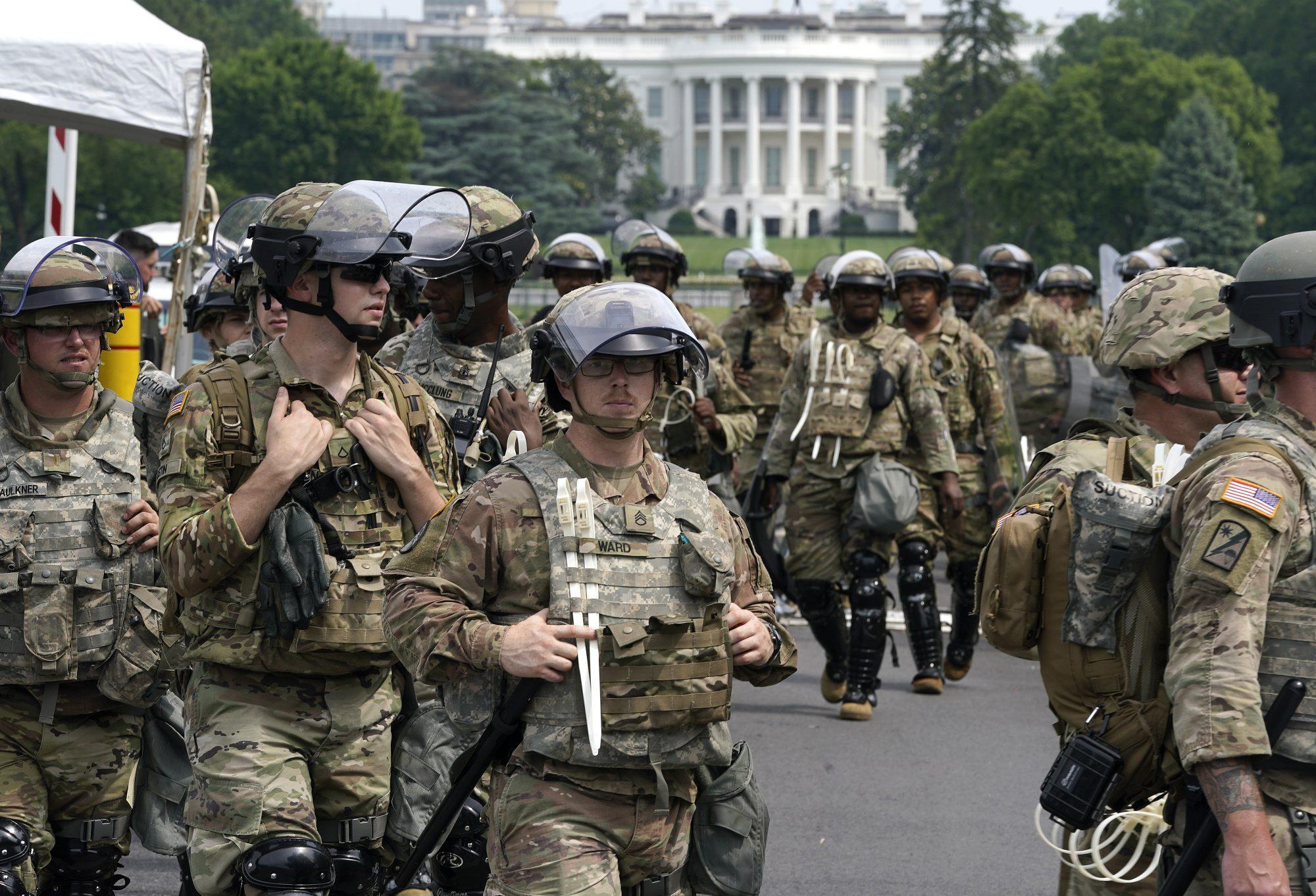 Ishin pjesë e ceremonisë së inagurimit të Biden, 200 ushtarë u infektuan me koronavirus