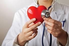Kujdes, këto tri zakone të përditshme dëmtojnë zemrën
