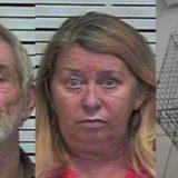 Tronditëse: Mbanin të mbyllur mbesën 5-vjeçare në një kafaz qensh, arrestohen gjyshërit