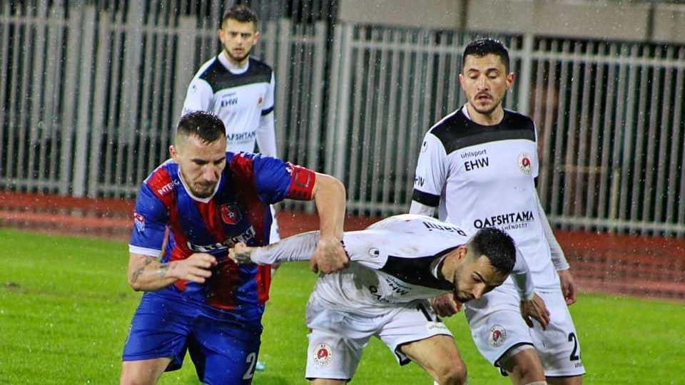9 NDESHJE/ Futboll kudo në Shqipëri, dita e Laçi-Vllaznia dhe shumë finaleve