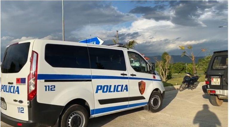 Dhunoi punonjësit e policisë, arrestohet 29-vjeçari në Berat
