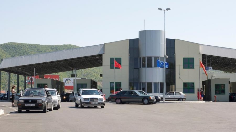 Mali i Zi lehtëson masat anti-covid për kalimin në kufi: Si do të lëvizet nga sot