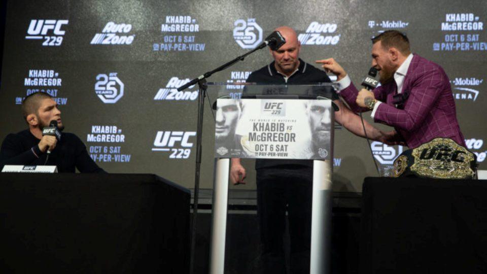 """""""Khabib si elegant i majmë"""", McGregor tall keq legjendën e UFC-së"""
