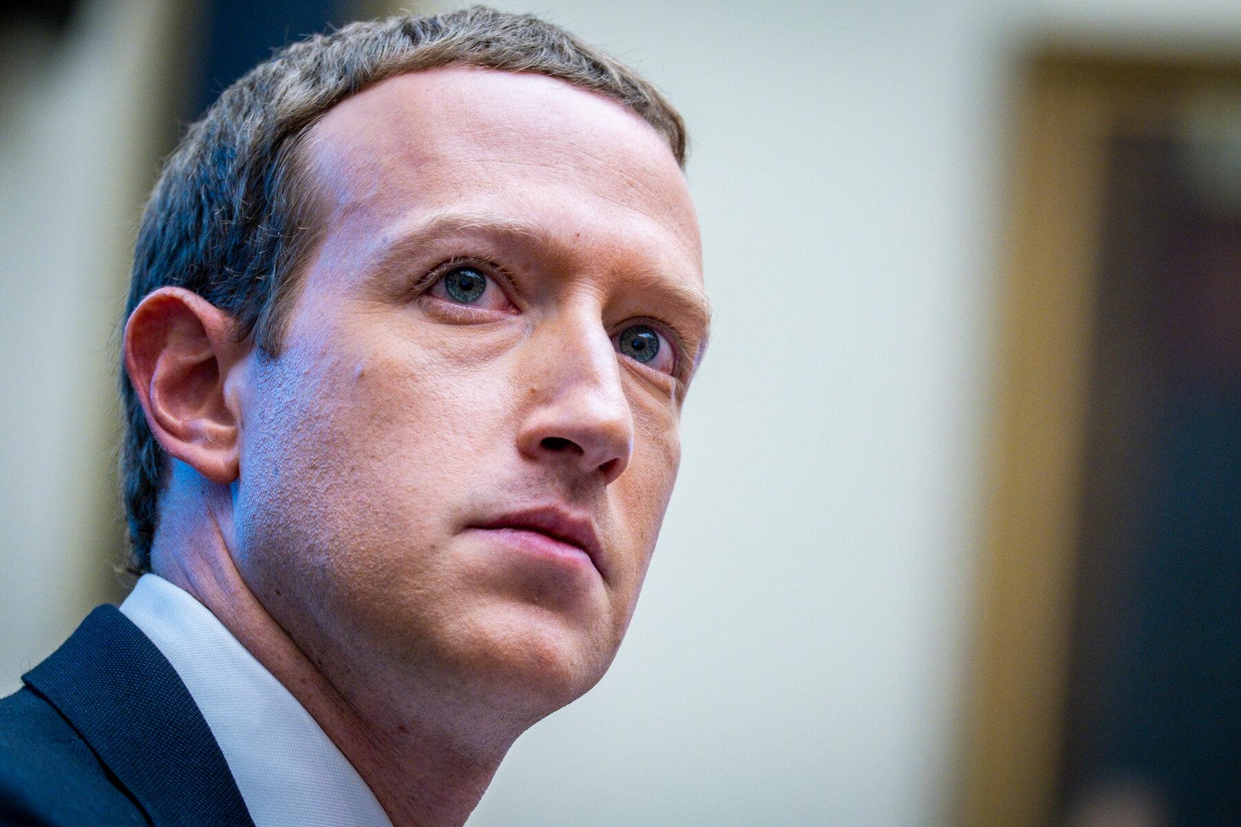 Zuckerberg: Llogaritë e Trump në Facebook dhe Instagram mbyllen për një kohë të pacaktuar