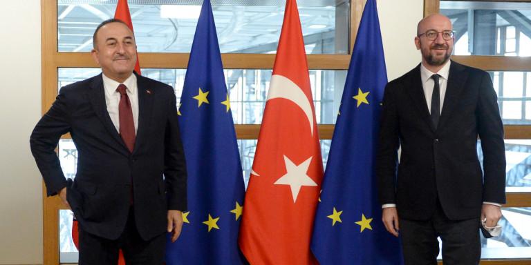 Greqia u zgjerua me 12 milje, Turqia: Pozicioni ynë nuk ndryshon, Dendias gaboi