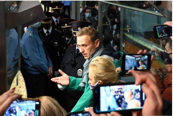 PE thirrje Rusisë për lirimin e Navalny, paralajmëron sanksione të forta