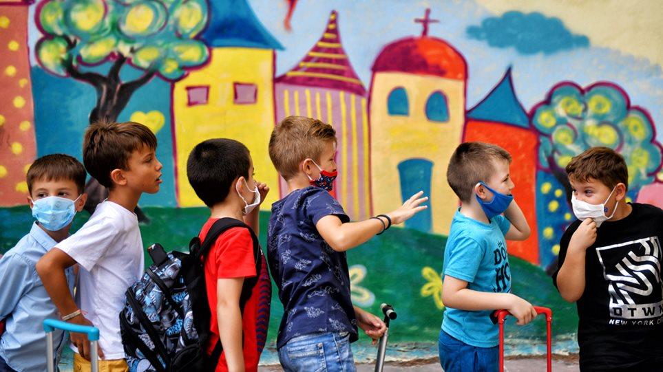 Masat që duhen patur parasysh, kur rifillon shkolla në Greqi