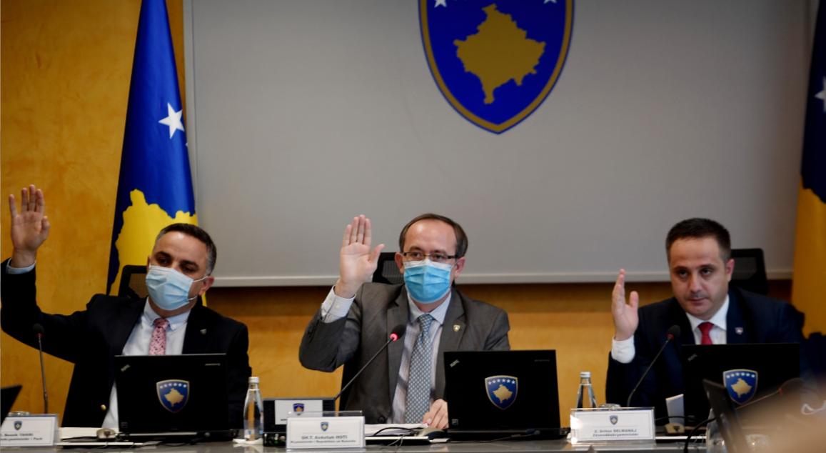 Lehtësohet lëvizja në Kosovë, qeveria miraton masat e reja anti Covid