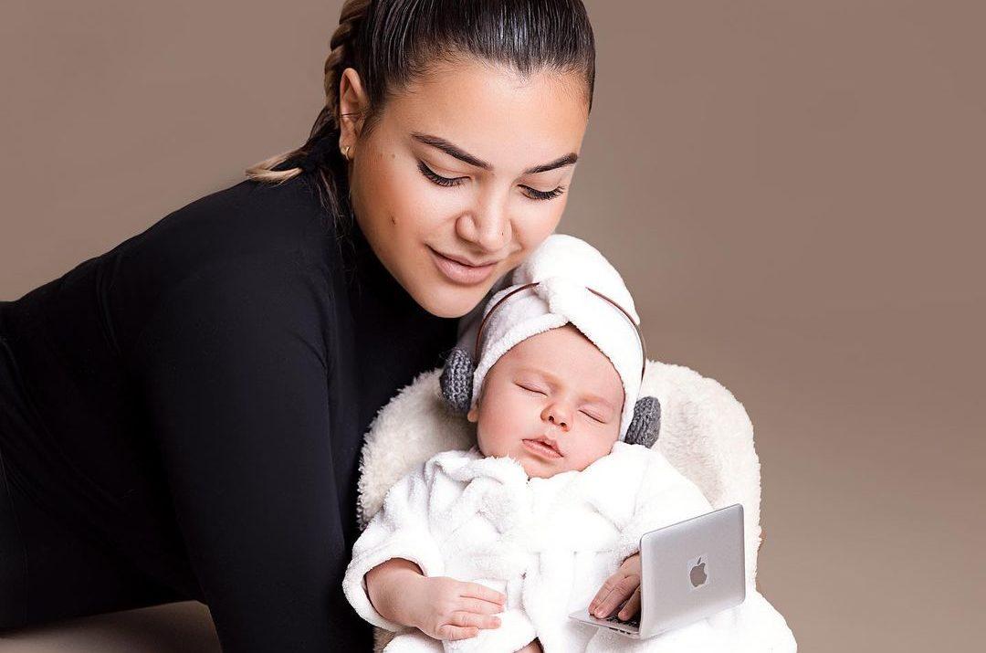 Sara Hoxha ndau pozën më të ëmbël me të bijën nga pushimet në Dubai