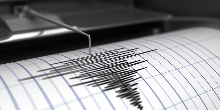 Tërmeti shkund dhe zgjon Greqinë