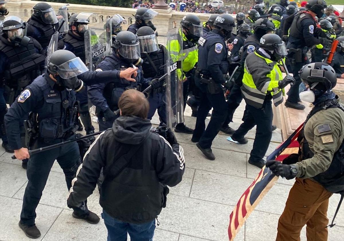 Sulmi në Kapitol, në fokus ekstremistët në radhët e policisë amerikane