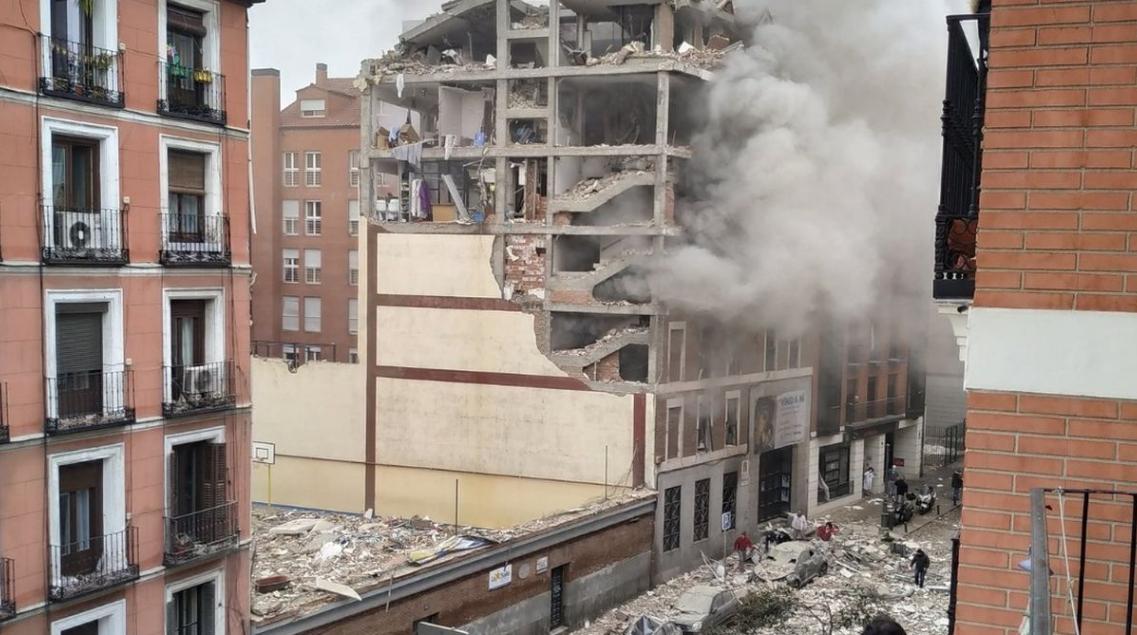 Shpërthimi në Spanjë: Ka rrezik që ndërtesa të shembet plotësisht, evakuohen banorët