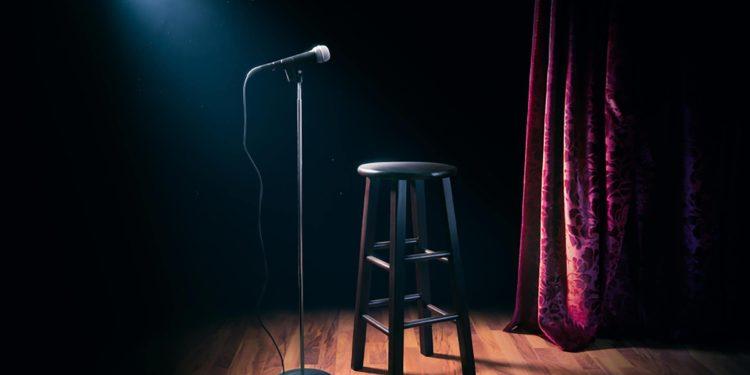 Infektohet me koronavirus, komediani i njohur ndërpret shfaqjet