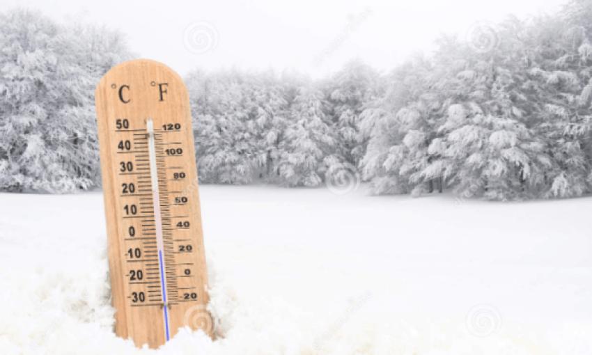 -13°C, kthjellime, ngrica dhe dëborë! Moti i acartë në Shqipëri