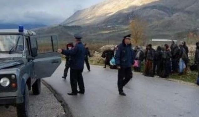 U kishte premtuar kalimin në BE, kapet korçari duke transportonte sirianët me kamionçinë