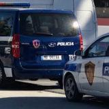 Plagosi rëndë në kokë një të mitur, arrestohet 19-vjeçari në Fier